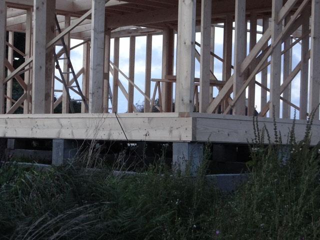 maison en bois sur pilotis pas cher